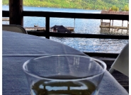 wine-at-lake-george